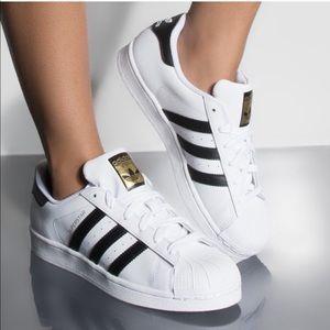 ADIDAS Classic Superstars Black & White Sneakers 7